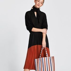 Zara Pleated Skirt Size S